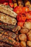 L?gumes savoureux grill?s au festival de nourriture images stock