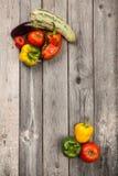 Légumes sur la table en bois Images libres de droits