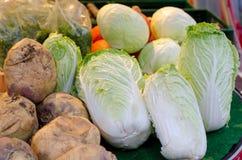 Légumes sur le compteur image stock