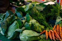 Légumes sur le compteur photographie stock libre de droits