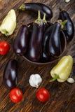 Légumes sur le fond en bois de vintage - récolte d'été, ing de soupe Photos libres de droits