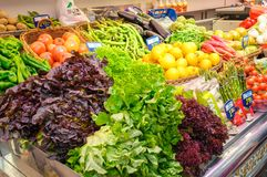 Légumes sur le marché central de Valence, Espagne Photographie stock