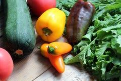 Légumes sur une table Images libres de droits