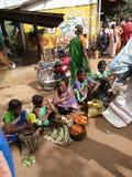 Légumes tribals de vente de femmes Photographie stock libre de droits