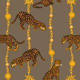 Léopards, chaînes d'or et pendants illustration libre de droits