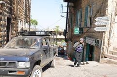 Líbano: calle secundaria cerca del puerto de la ciudad de Beirut imagen de archivo