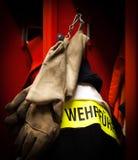 Líder alemão do revestimento da proteção contra incêndios do departamento dos bombeiros Fotografia de Stock Royalty Free