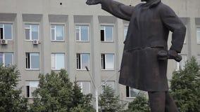 Líder del comunismo del monumento de la estatua de Lenin metrajes