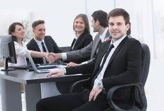 Líder no fundo da equipe do negócio Imagem de Stock Royalty Free
