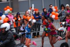 Líder para mujer Pack del maratón de 2014 NYC Imágenes de archivo libres de regalías