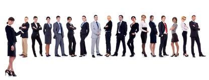Líder que apresenta sua equipe bem sucedida fotos de stock royalty free