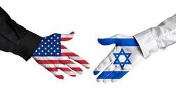 Líderes de Estados Unidos y de Israel que sacuden las manos en un acuerdo del trato Fotografía de archivo