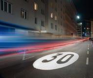 Límite de velocidad Fotos de archivo libres de regalías