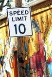 Límite de velocidad diez Foto de archivo libre de regalías