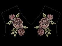 Línea étnica estampado de flores del cuello del color del té del bordado con las rosas stock de ilustración