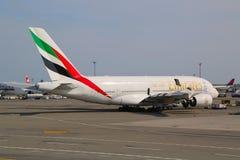 Línea aérea Airbus A380 de los emiratos en el aeropuerto de JFK en Nueva York Foto de archivo