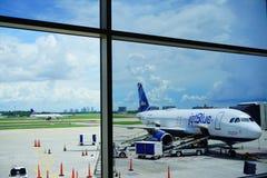 Línea aérea de Jetblue imagen de archivo libre de regalías