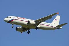 Línea aérea Rusia de Airbus A320-214 (VP-BWH) en vuelo Foto de archivo libre de regalías