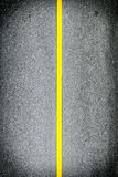 Línea amarilla en el camino Foto de archivo