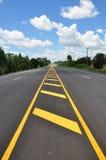 Línea amarilla símbolo del tráfico Imagen de archivo
