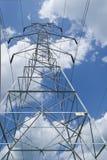 Línea de alto voltaje torre Imágenes de archivo libres de regalías