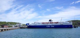 Línea de color transbordador en Sandefjord, Noruega Foto de archivo libre de regalías