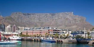 Línea de costa de Ciudad del Cabo y montaña del vector Fotografía de archivo libre de regalías