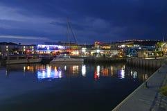 Línea de costa de Knysna en la oscuridad Fotografía de archivo libre de regalías