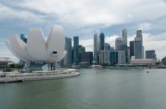 Línea de costa de la bahía del puerto deportivo, Singapur Foto de archivo libre de regalías