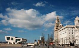 Línea de costa de Liverpool, viejo y moderno Fotografía de archivo libre de regalías