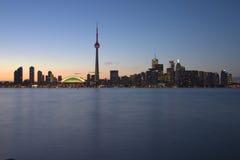 Línea de costa de Toronto en la oscuridad Fotos de archivo libres de regalías