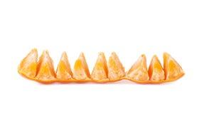 Línea de fruta jugosa fresca de la mandarina aislada encima Foto de archivo libre de regalías
