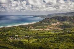 Línea de la playa de Barbados a lo largo del Atlántico Imagen de archivo