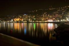 Línea de la playa de Ginebra del lago - Montreux por la noche (783_8360) Fotografía de archivo libre de regalías