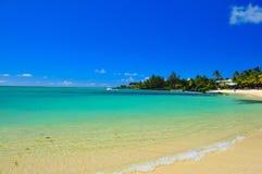 Línea de la playa de Isla Mauricio imagen de archivo libre de regalías