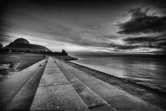 Línea de la playa de piedra Foto de archivo libre de regalías