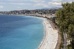 Línea de la playa y playas del mar en Niza Fotografía de archivo libre de regalías