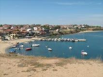 Línea de la playa y puerto deportivo Fotografía de archivo