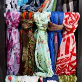 Línea de las bufandas Fotografía de archivo libre de regalías
