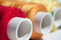 Línea de los hilos de coser Fotografía de archivo libre de regalías