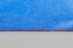 Línea de meta roja en pista de hockey sobre hielo Deporte de invierno foto de archivo