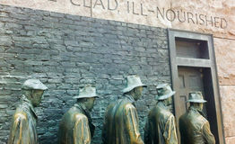 Línea de pan de la depresión escultura en Franklin Delano Roosevelt Memorial en Washington DC Fotografía de archivo