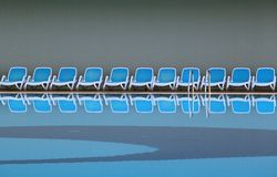 Línea de sillas de cubierta Imagen de archivo libre de regalías