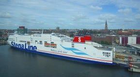 Línea de Stena - transbordador - puerto de Kiel - Alemania Foto de archivo