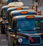 Línea de taxis de Londres Foto de archivo libre de regalías