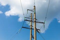 Línea de transmisión de alto voltaje torre Imagenes de archivo