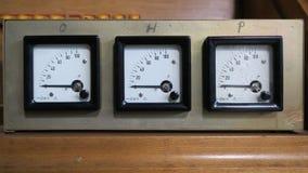 Línea de tres indicadores electrónicos que registran cero Fotografía de archivo libre de regalías