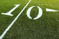Línea de yardas del campo de fútbol 10 Imágenes de archivo libres de regalías