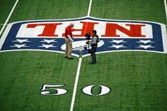 Línea de yardas discusión del estadio 50 de los vaqueros del trofeo Fotografía de archivo