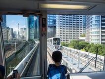 Línea de Yurikamome, Tokio, Japón fotografía de archivo